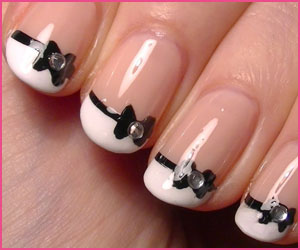 french-with-bow-nail-art