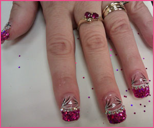 glitter-nails-with-nail-art