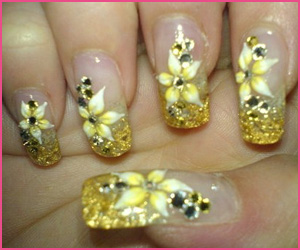nail-art-design-with-flowers